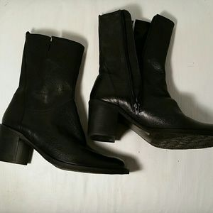 BCBGIRLS Black Leather Ankle Boot. 8.5M